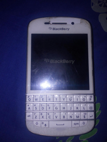 1001970318_3_644x461_never-repaired-snow-white-blackberry-q10-phones-mobile-phones