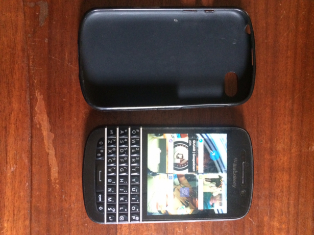 1001957400_5_644x461_used-blackberry-q10-with-a-free-pouch-rivers