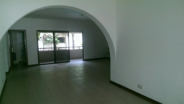 1002101930_5_644x461_a-nice-and-superb-3-bedroom-apartment-with-fitted-kitchen-lagos